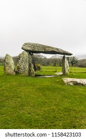 Pentre Ifan Burial Chamber, Chambered tomb portal dolmen. Near Newport, Pembrokeshire, Wales, UK