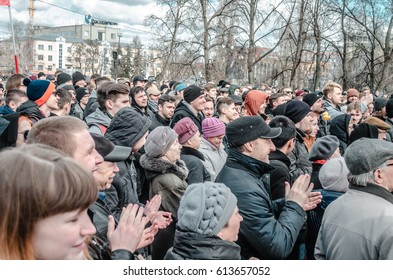 PENZA, RUSSIA - MARCH 26, 2017:  The citizens of Penza gather in favor of Alexei Navalny
