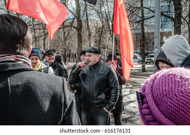 PENZA, RUSSIA - MARCH 26, 2017:  The support of Alexei Navalny grows as a rally reaching nearly five hundred people gathers in Penza, Russia