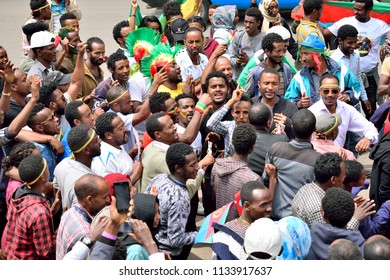 People of Addis Ababa welcoming President Isayas, 14 July 2018, Addis Ababa, Ethiopia