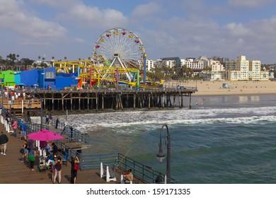 People enjoying the Southern California Lifestyle in Santa Monica.