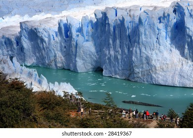 People looking at beautiful Perito Moreno glacier