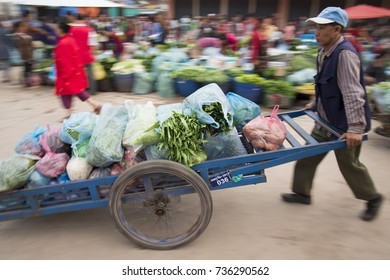 people at the Taalat Sao market in the city of vientiane in Laos in the southeastasia, lao, vientiane, november, 2017,.