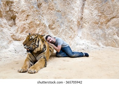 People with tiger temple, Bangkok, Thailand