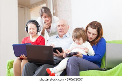 people  uses few various portable computers at home