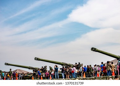 People visit the Self-propelled artillery.2019/3/30 in Taiwan