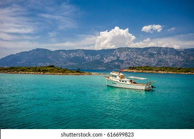 People are visiting Sedir Island in Marmaris