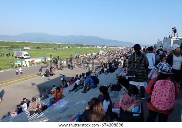 people are waiting for balloon boarding, Saga International Balloon Fiesta /Saga International Balloon Festival - November 2016,Saga, Japan