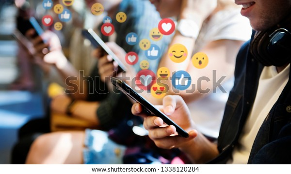 People watching video live streamings