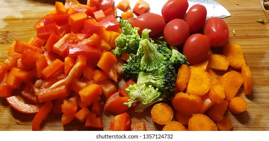 peppers broccoli carrots tomato fresh ingredients