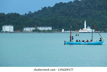 PERAK, MALAYSIA : Activity and create a situation / opportunity, to learn, share and help build the Vision for the better at Outward Bound Malaysia, (OBM), Lumut on June 01, 2017