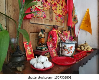 Perak, Malaysia. September 16,2019: Scene of a Chinese home altar prayer shelf in the house worship at Dr Sun Yet-Sen museum, Antongcafe Taiping.