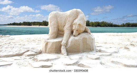 PEREYBERE - MAURITIUS ISLAND, CIRCA JULY 2015: sand castle from unhknown artist representing a polar bear