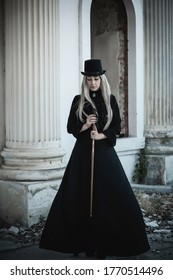 Perfect gothic atmosphere, inspiration dark victorian style, Halloween ideas for party. Women classical goth