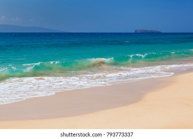 The perfect Makena Beach in Maui, Hawaii. The islands in the background are Molokini to the right and Kahoolawe.
