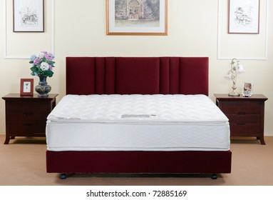 The perfect mattress not only beautiful but must be supported anatomy when you sleep