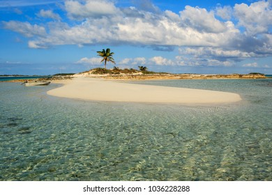 Shroud cay images stock photos vectors shutterstock a perfect small island in paradise in the middle of the bahamas sciox Images
