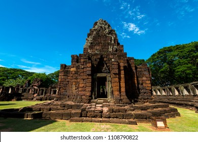 Perfect view of Prasat Hin Pimai (Pimai Historical Park) The ancient sand-stone Khmer-style temple in Nakhon Ratchasima province, Thailand,Asia.