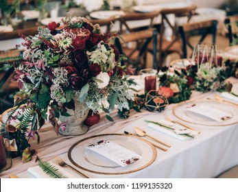 Perfect wedding decoration. Flower table decorations for wedding