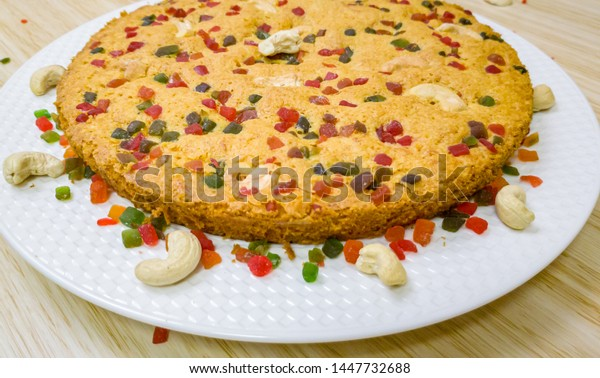 perfectly-baked-carrot-cake-garnished-60