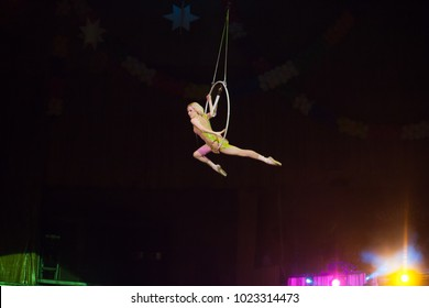 performance of an air gymnast in a circus