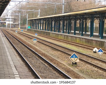 Perron provincial railway station