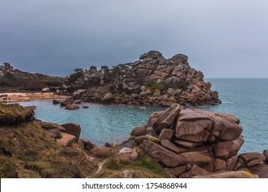 Perros Guirec, Ploumanac'h Lighthouse, Mean Ruz, la Manche, rocks and waves