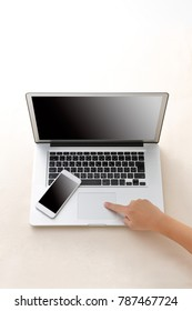 Personal computer and smartphone