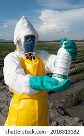 équipement de protection individuelle pour la manipulation des pesticides sur le terrain