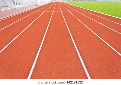 perspective of running track lines