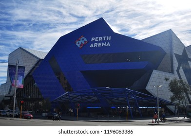 PERTH, AUSTRALIA - JUNE 3 : Australian people use service Perth Arena or RAC Arena with traffic road at Wellingt street on June 3, 2016 in Perth, Australia