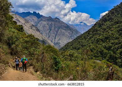 peru inca trail salkantay green valley hikers