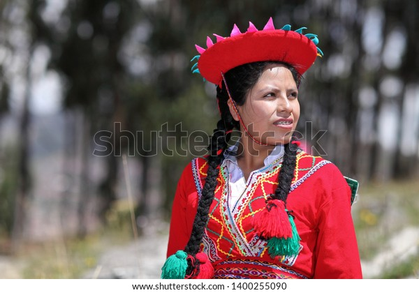 Peruvian Women Traditional Clothes Cusco Peru Stock Photo Edit Now 1400255090