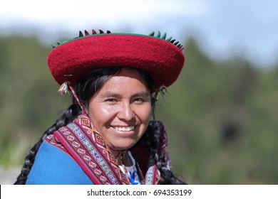 Peruvian women with traditional costume from Chinchero, Cusco