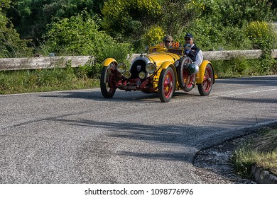 PESARO COLLE SAN BARTOLO , ITALY - MAY 17 - 2018 : B.N.C. 527 MONZA	1927 old racing car in rally Mille Miglia 2018 the famous italian historical race (1927-1957)
