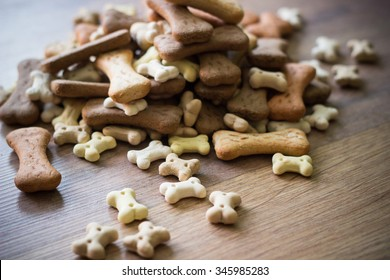 Pet food, dog bones