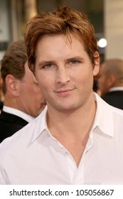 Peter Facinelli at the World Premiere of 'Ghosts of Girlfriends Past'. Grauman's Chinese Theatre, Hollywood, CA. 04-27-09