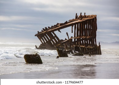 Peter Iredale shipwreck at the Oregon coast, Astoria.