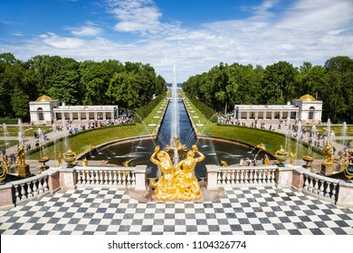 "PETERGOF, SAINT PETERSBURG, RUSSIA - JUNE 01, 2018: View of the fountain ""Samson"" in the state Museum-reserve ""Peterhof"", Peterhof, Russia"