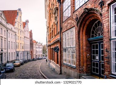 Lübeck, Petersgrube on the Obertrave with historic facades