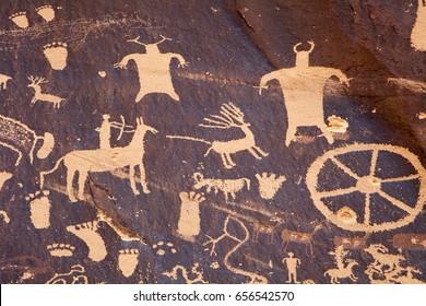 Petroglyphs at Newspaper Rock near Indian Creek, Moab, Utah.