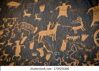 Petroglyphs on newspaper rock in Canyonlands national park, Utah, USA