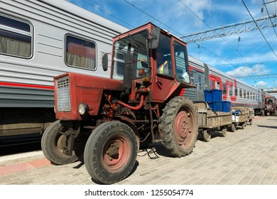PETROZAVODSK, RUSSIA - JUNE 23, 2018: Preparation of the fast train for a trip at the railway station of Petrozavodsk, loading necessary for travel