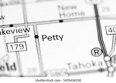 Petty. Texas. USA on a map
