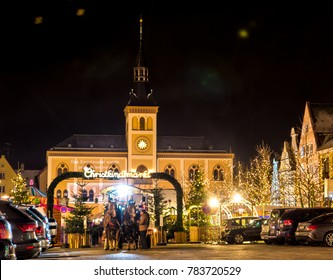 PFAFFENHOFEN, GERMANY - DEZEMBER 17: People at a traditional bavarian christmas market in Pfaffenhofen, Germany on Dezember 17, 2017.