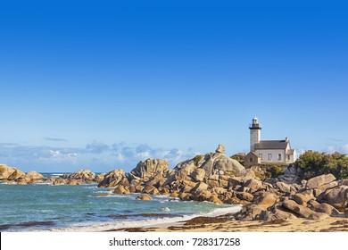 Phare de Pontusval, lighthouse near Brignogan-Plage, Finistere, Brittany, France