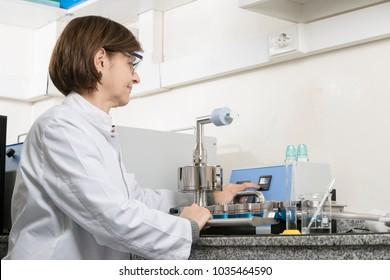 pharmaceutica working in hplc
