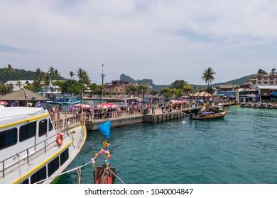 Phi Phi Islands, Port in the Ton Sai Bay, Andaman Sea, Thailand, Asia, 22. April 2015