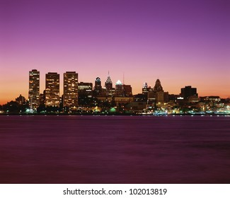 Philadelphia cityscape at twilight