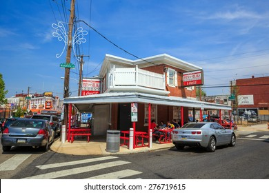 PHILADELPHIA- MAY 8: The famous cheesesteak restaurant Pat's King of Steaks on May 8, 2015. The restaurant is located in South Philadelphia and serves the most famous Philadelphia dish.